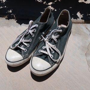 Black & White Converse 👟